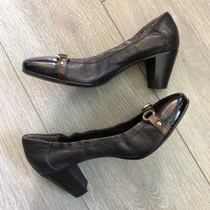 Attilio Giusti Leombruni Shoes - AGL cap toe buckle leather pump